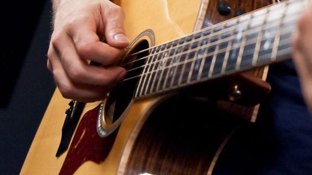 Импровизация на гитаре. Дмитрий Мишин